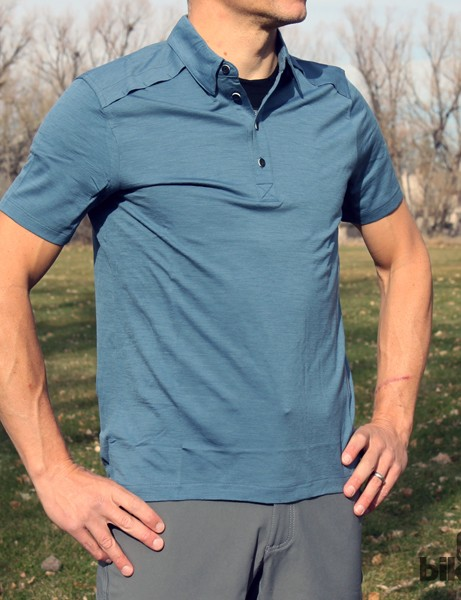 The Giro New Road SS Merino Polo is made of 100% Merino wool