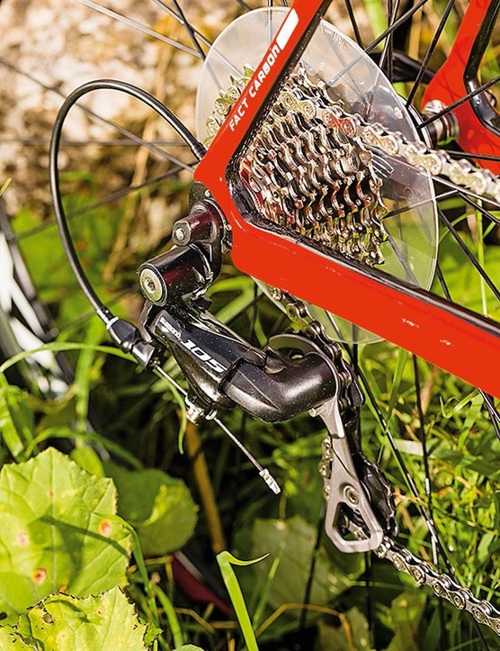Shimano 105 is at the heart of the Tarmac SL4 Sport