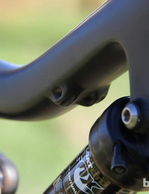 There are guides on the underside of the top tube for the front derailleur cable (not used on our SRAM XX1 build) and for an externally-routed dropper seatpost