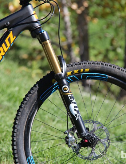 The Bronson's 67-degree head tube angle strikes a nice balance between agility and stability