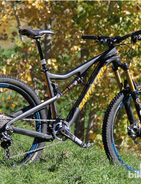 Our Santa Cruz Bronson test rig was kitted out in nothing but the best. Total weight as shown is 26.6lb (12kg)