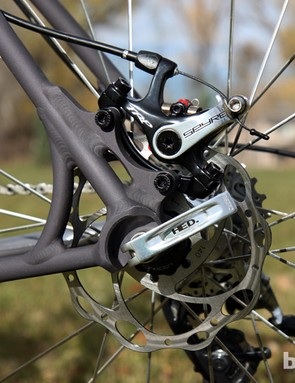 Van Dessel opts for IS-style tabs for the rear brake caliper, which is easier to adapt to what would otherwise be a rim brake-compatible frame