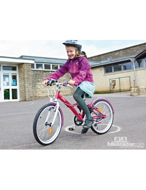 The Misty Girl has V-brakes and SRAM shifters to introduce your child to this next level of mechanics