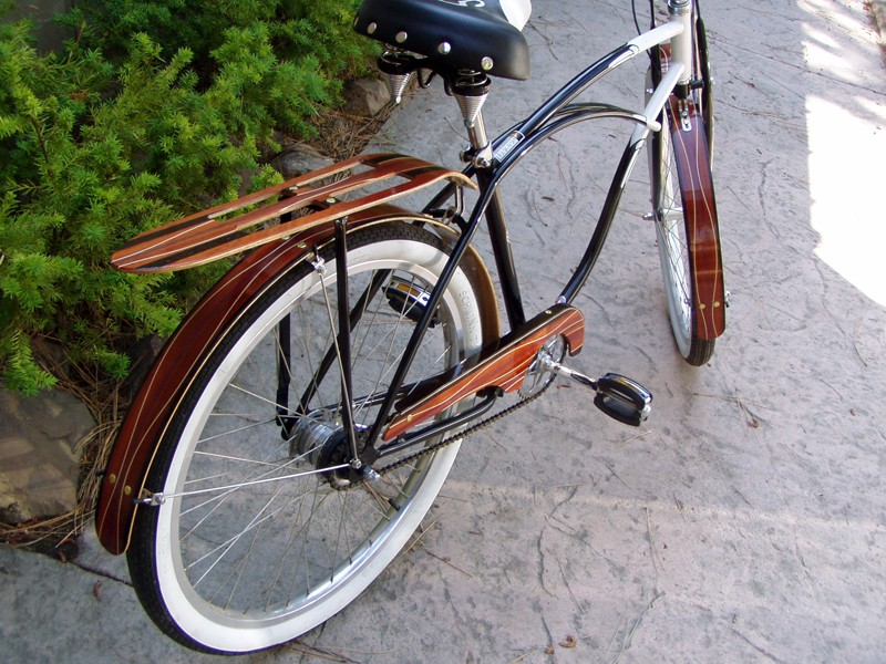 Add some style to your commuter bike with Woody's custom wooden fenders