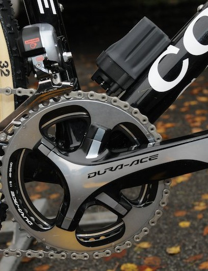 A Dura Ace 9000 chainset with 46/39t chain rings and XTR M970 pedals