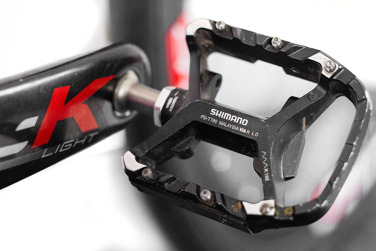 Martyn took a set of standard Shimano XT T780 Touring pedals and modified them to look more in keeping with a road bike