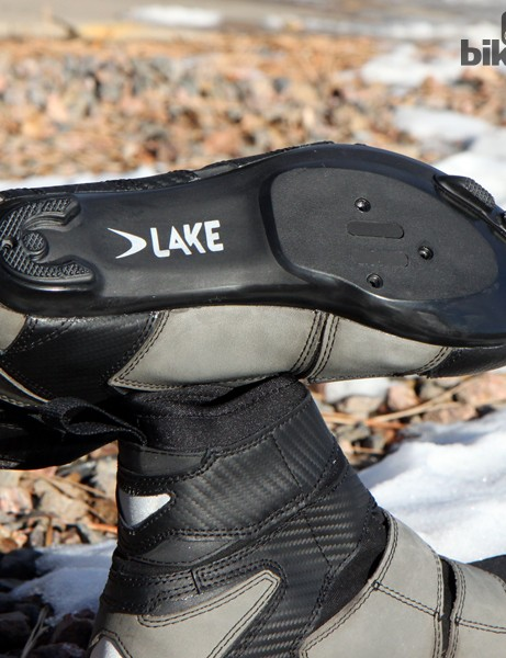 Lake Cycling equips the CX145 road shoes with a fibre-reinforced nylon sole