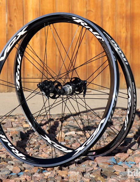The Rolf Prima VCX Disc wheels offer aluminium clincher convenience along with six-bolt disc rotor compatibility