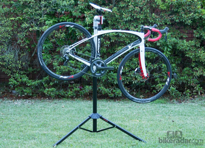 Cyclo Modular Workstation Mobile Bicycle Stand: maximum height is 140cm, which provides a comfortable height for most work