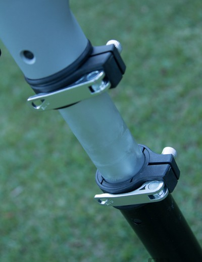Solid quick-release levers ensure easy adjustability on the Cyclo Modular stand