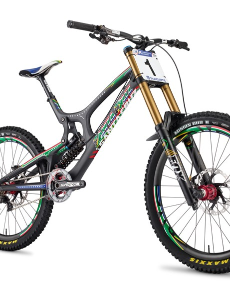 Santa Cruz has created a limited edition Greg Minnaar V10 replica to celebrate the South African's back-to-back gold medals. Only 25 will be made (two of which are already spoken for). The remaining 23 will be available through select Santa Cruz dealers around the world