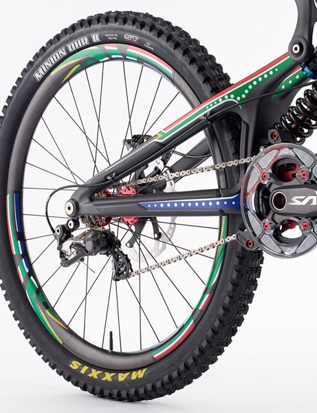 Greg Minnaar V10 replica: The ENVE carbon DH rims sport decals to match the frame