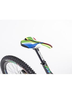 Greg Minnaar V10 replica: Custom WTB Minnaar Silverado saddle