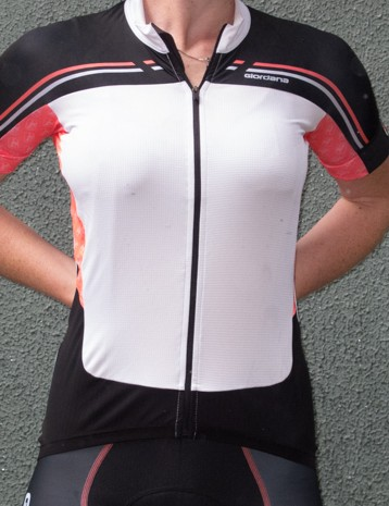 Giordana Women's Body Clone FR-C short-sleeve jersey - a downside to the lack of graphics mean this panel does tend to show the contours of whatever you are wearing underneath it