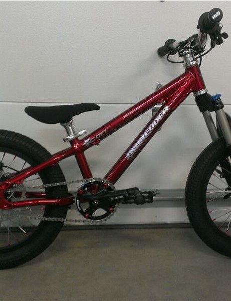 The Icon hardtail frame with Spinner fork retails for US$975. Complete build start at $1,895