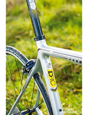Boardman Carbon Pro: a slim wishbone and curved seatstays make up the Active Wishbone Design