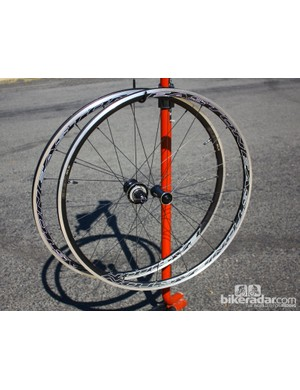 The Easton EA90 SLX wheelset tipped our scales in the US at 1,426g –the UK team got 1,437g