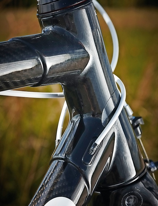 Colnago C59 Italia: Colnago still believes in using lugged carbon