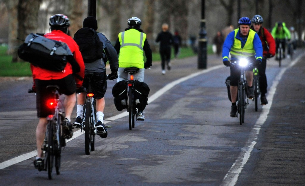 Cyclists make their way through Hyde Park: TfL and the seven central London boroughs want more lanes like this