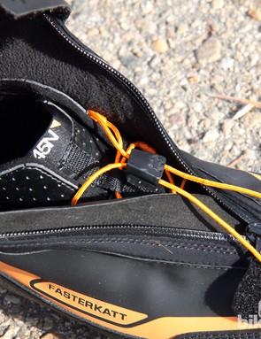Inside the 45NRTH Fasterkatt shoes is a handy speed lacing system