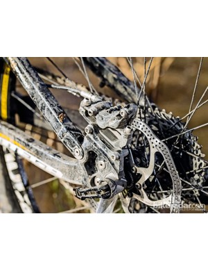 The four-pot Elixir Trail 9 brakes are a particular highlight