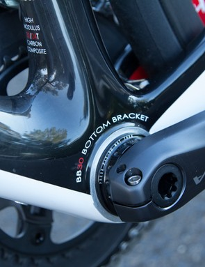 A large bottom bracket section meets equally large chainstays for a direct drive