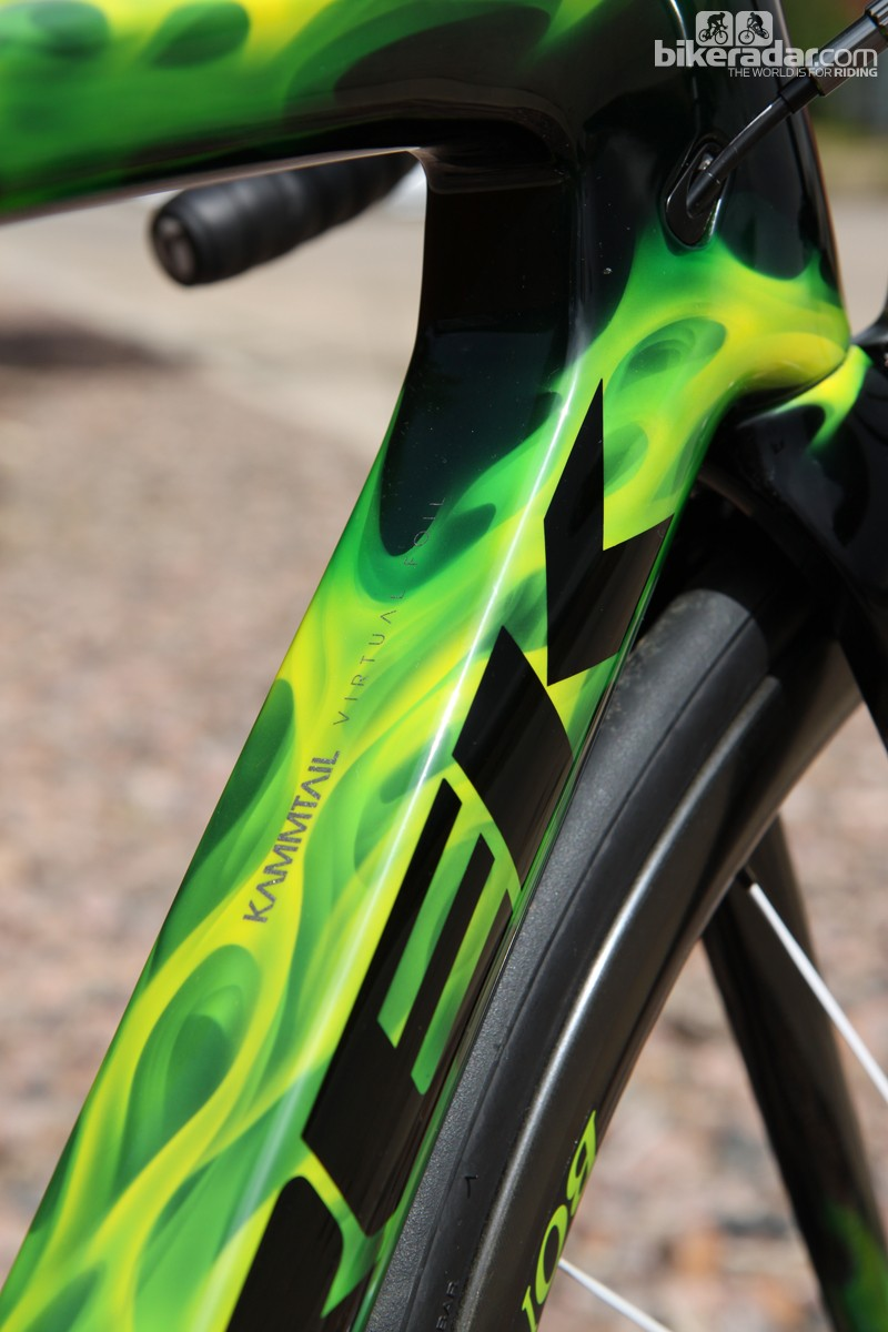Much of the 2014 Madone 7-Series' frame shaping carries over in tact, including the truncated airfoil tube shapes that supposedly reduce aerodynamic drag