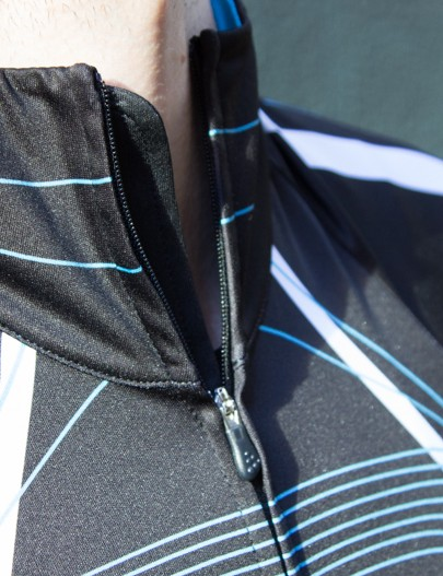 The Craft PB Tour jersey has a backed full-length zipper that continues a little too high at the neck