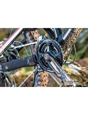 The twin-ringed RaceFace chainset comes complete with chain device and bashguard