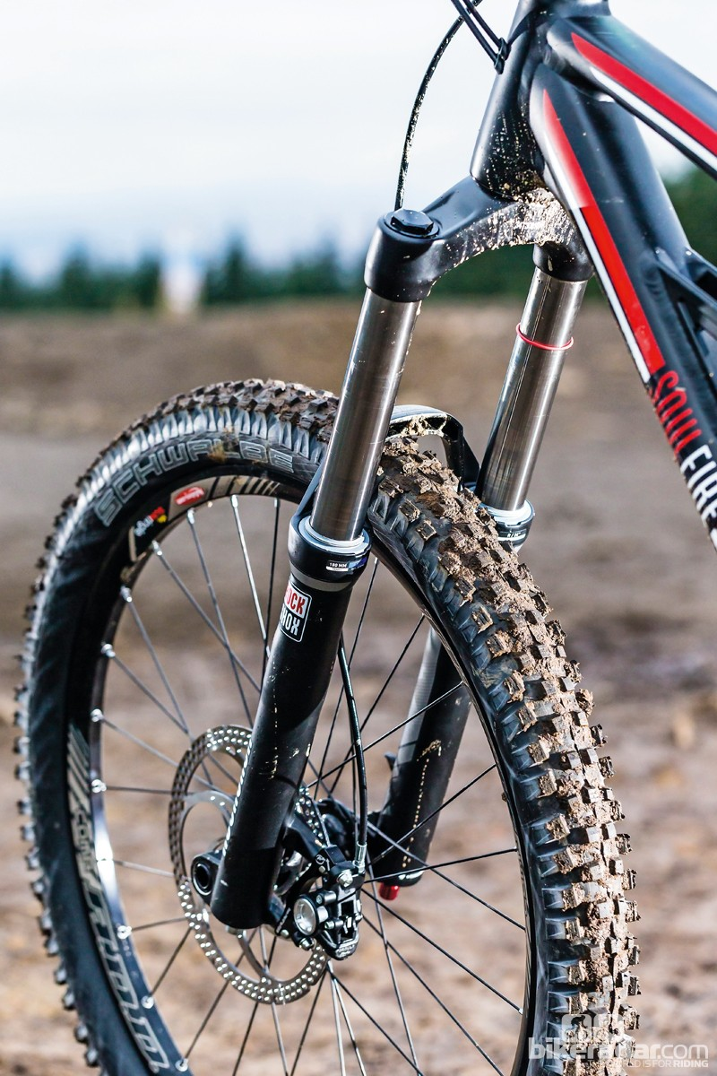 The single crown RockShox Domain fork pushes out 180mm of travel