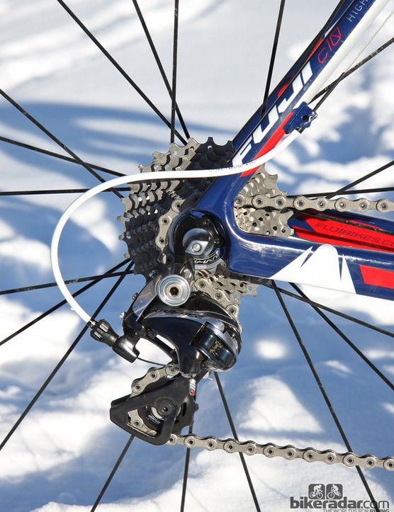 Jonathan Page (Fuji/Spy/Competitive Cyclist) makes use of Gore Ride-On low-friction derailleur housing and cables