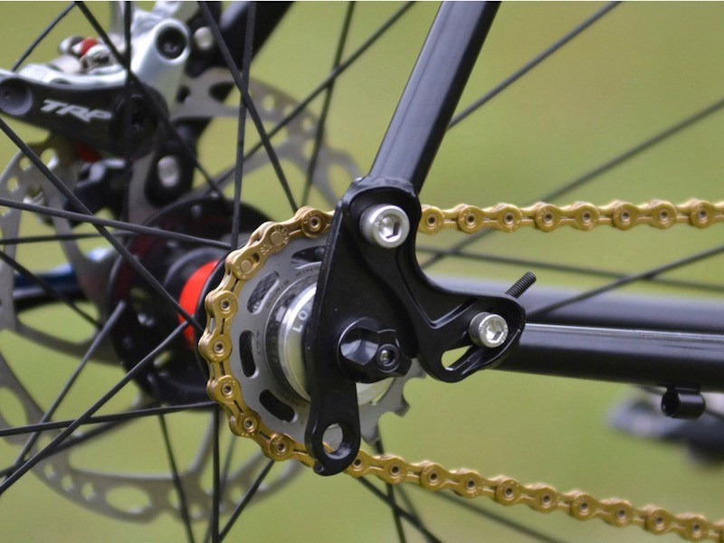 The Transition Rapture has swinging dropouts, allowing it to be run geared or as a singlespeed