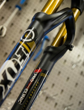 The technicians at Mojo Suspension have had their paws on this fork