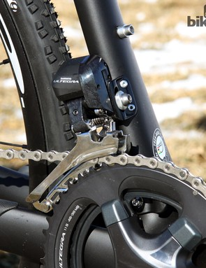 The Ultegra Di2 front derailleur has more than enough oomph to execute perfect gear changes, even under full power
