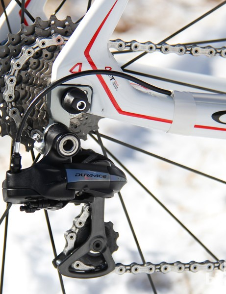 A 10-speed, 12-27 cassette and Dura-Ace rear deraulleur round out the drivetrain