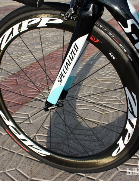 The Zipp 404 Firecrest Carbon Clincher wheels are wrapped with Specialized Roubaix Pro tires