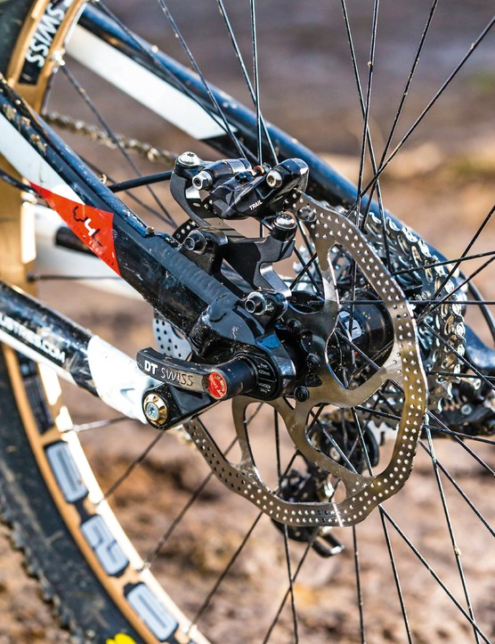 The brakes are Avid X0 Trails, with 200mm rotors