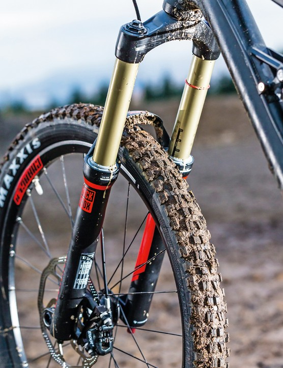 The tyres are high on grip and feel, which makes for a more confident ride. The RockShox Lyrik RC fork was equally confidence-inspiring