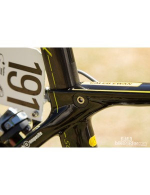An integrated seatpost clamp keeps the edges smooth