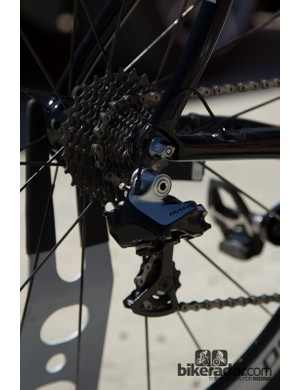 Shimano Dura-ace 9070 Di2 is a reliable choice
