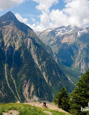 Late summer to early autumn is an ideal time for a mountain biking holiday in Les Deux Alpes