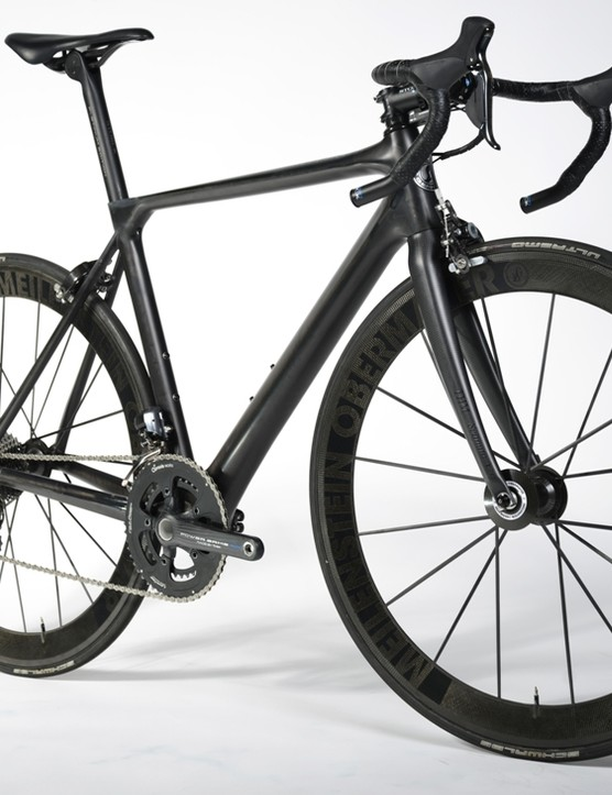 Shimano Dura-Ace Di2 and light wheels keep the Aernario Signature Edition's weight down