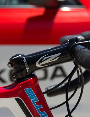 Drapac are sponsored by Zipp and use a full complement of Service Course SL equipment