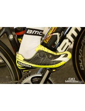 Cadel Evans and his bright Diadora Vortex-Pro shoes