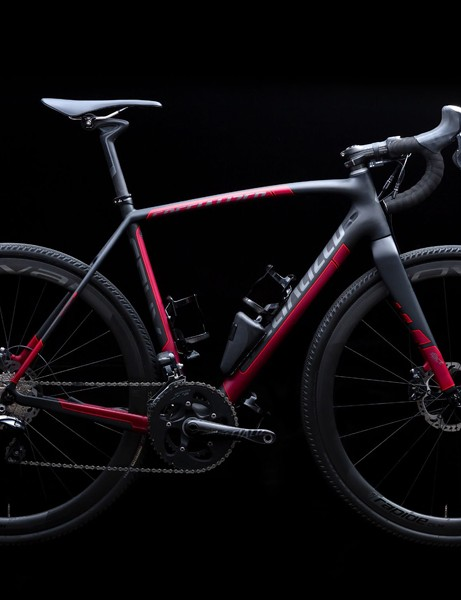 The Specialized Crux Expert EVO Di2 is designed with gravel racing in mind