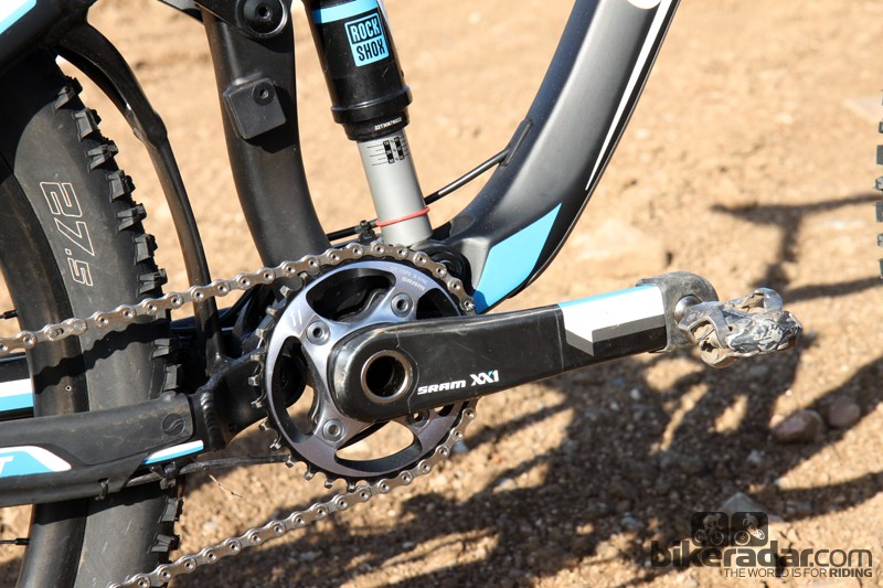 Stronger riders might find the stock 32-tooth chainring to be a bit on the small side but we found it to be a good option for all-around trail riding