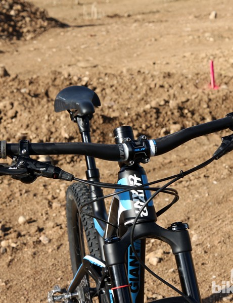 The stock Giant Contact SLR low-rise carbon bar is reasonably wide with a comfortable bend