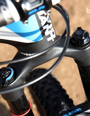 The RockShox Revelation RLT3 Dual Position Air fork can be dropped from 140mm down to 120mm of travel with the simple flick of the wrist, to help keep the front end down on steep climbs