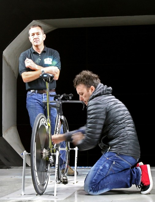 Andy Smallwood (left), Boardman's director of operations and Chris Boardman watch changes being made to the AiR/TTE set up