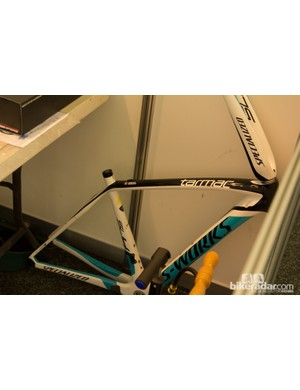 An Astana frame is pulled apart and then discarded due to crash damage